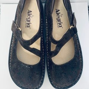 Alegria Jill Leather Mary Janes brown paisley boho